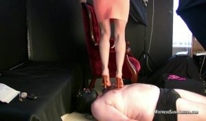 Heels Sitting On Face.mp4.00000 300x176 - Heels Sitting On Face