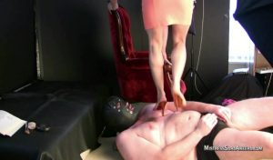 Heels Sitting On Face.mp4.00004 300x176 - Heels Sitting On Face