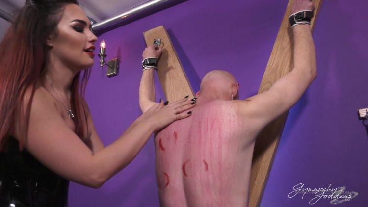 Mistress Serena   Clawed and Sundred.mp4.00004 750x422 - Mistress Serena - Clawed and Sundred 1080p