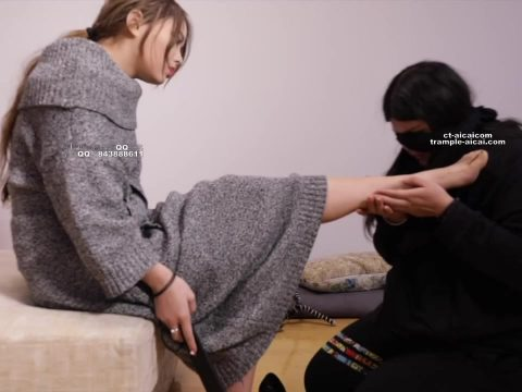 Suffering at girls feet   Humiliation and abuse of female slave 676997.mp4.00001 480x360 - Suffering at girls feet - Humiliation and abuse of female slave 720p