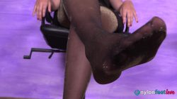 20200716 request sofia perfume shop 00001 250x141 - Watch Pantyhose - Beautiful shop assistant Sofia offers the exclusive fragrance of her sweaty nylon