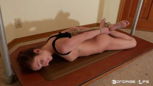 brynlee arched 0001 00004 300x169 - Brynlee Learns to Arch - Brynlee Nelson HD