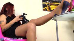 pv sharon collantnudoblu 00000 250x141 - Pantyhose - Sensual Sharon in nude-colored pantyhose with blue pattern - empornius.com
