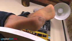 pv sharon sigaretta 00001 250x141 - Watch Pantyhose - Gorgeous Sharon smoking a cigarette and showing off her nyloned feet